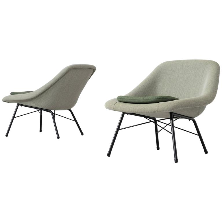 Pair of reupholstered mid century easy chairs for sale at for Reupholstered chairs for sale