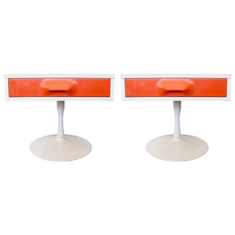 Pair of Mod Pop Raymond Loewy Style Nightstand by Broyhill For Sale