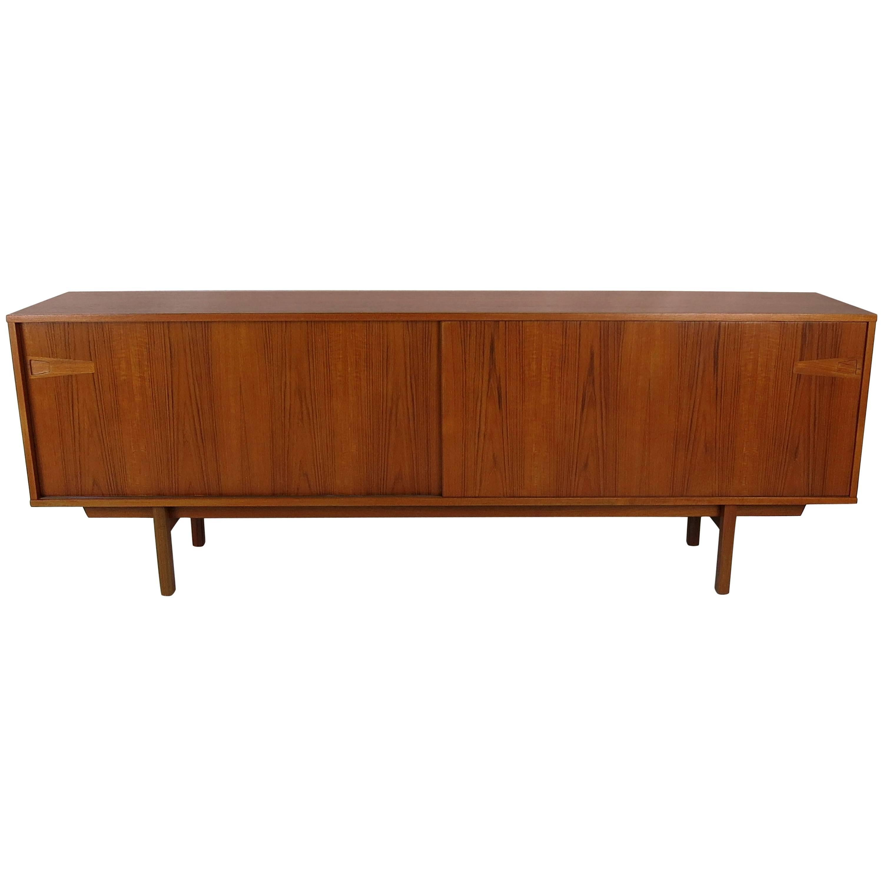 Mid Century Modern Danish Credenza With Floating Hutch For Sale