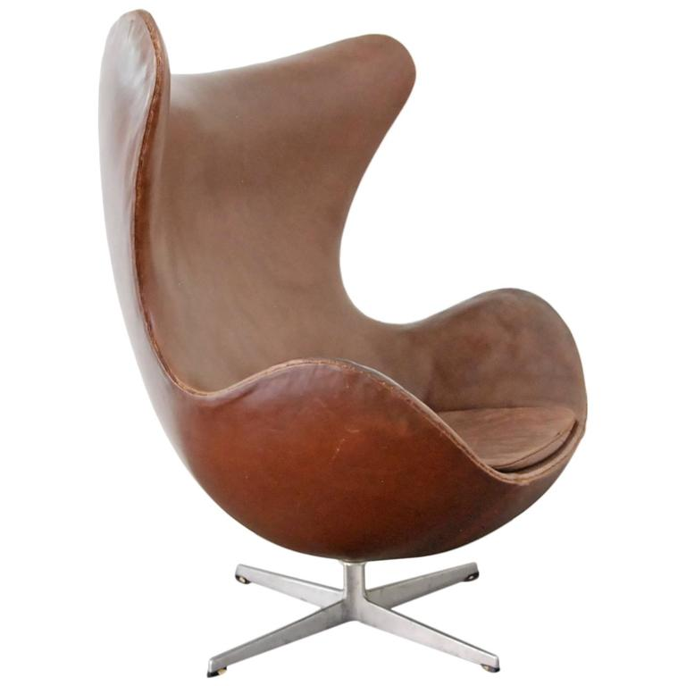 Arne jacobsen egg chair for sale at 1stdibs for Egg chair jacobsen