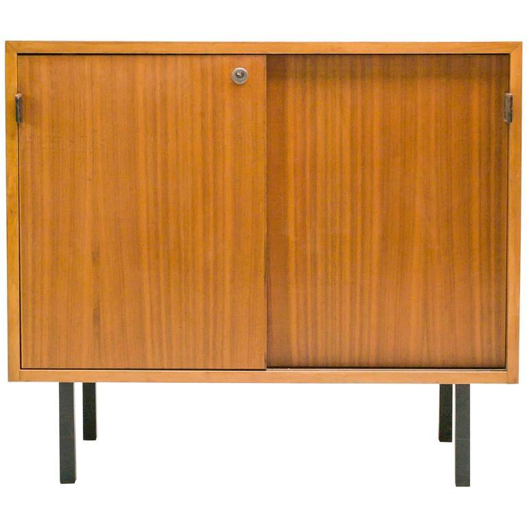 florence knoll walnut sideboard at 1stdibs. Black Bedroom Furniture Sets. Home Design Ideas
