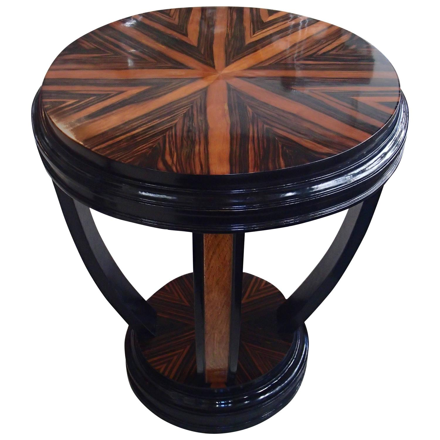 art deco round side table with four u shaped legs ebene de. Black Bedroom Furniture Sets. Home Design Ideas