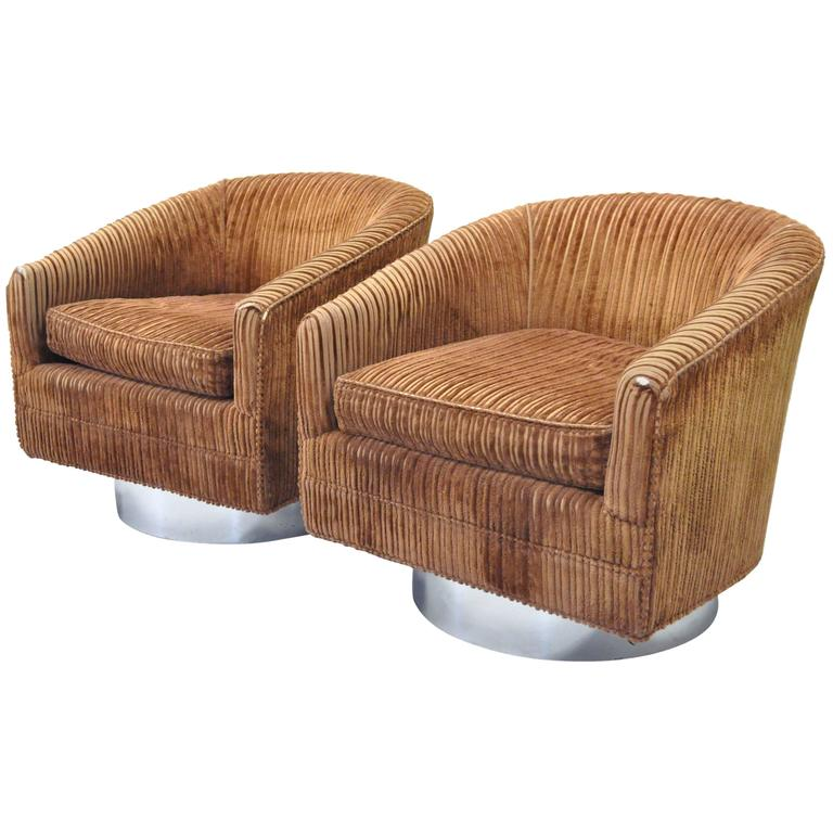 Pair of Swivel Barrel Back Club or Lounge Chairs Attributed Milo Baughman