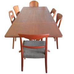 Hans Wegner AT304 Drop-Leaf Dining Table in Teak with Oak Sabre Legs