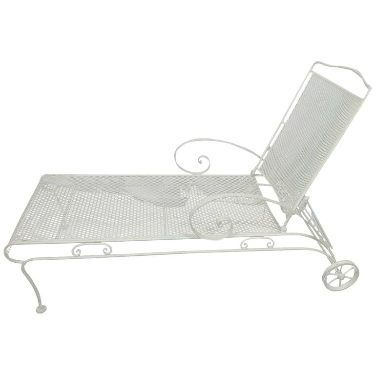 Russell woodard iron mesh steel outdoor patio chaise for 1950s chaise lounge