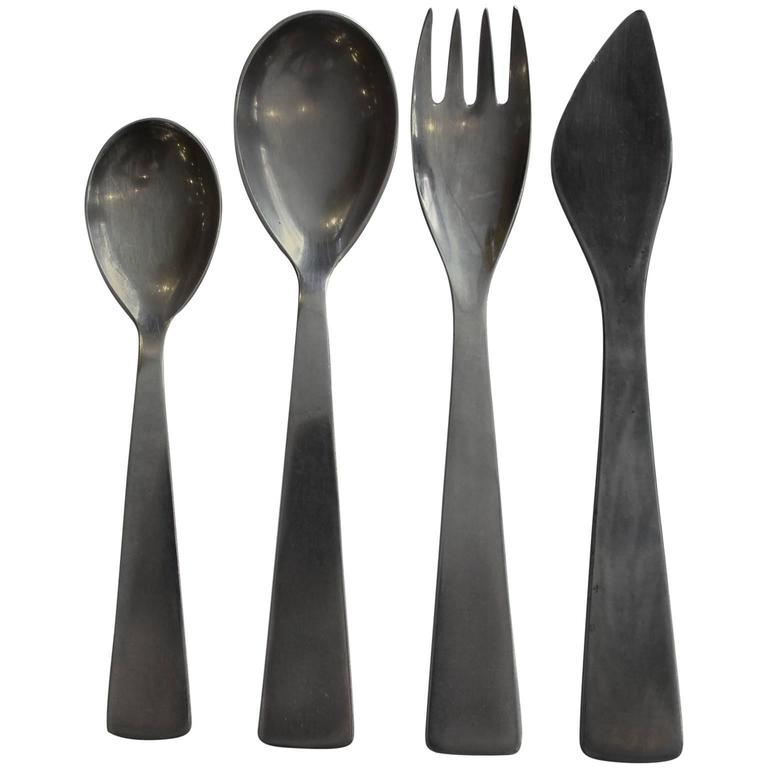 Gorgeous gio ponti modern stainless flatware for fraser krupp for sale at 1stdibs - Contemporary stainless flatware ...
