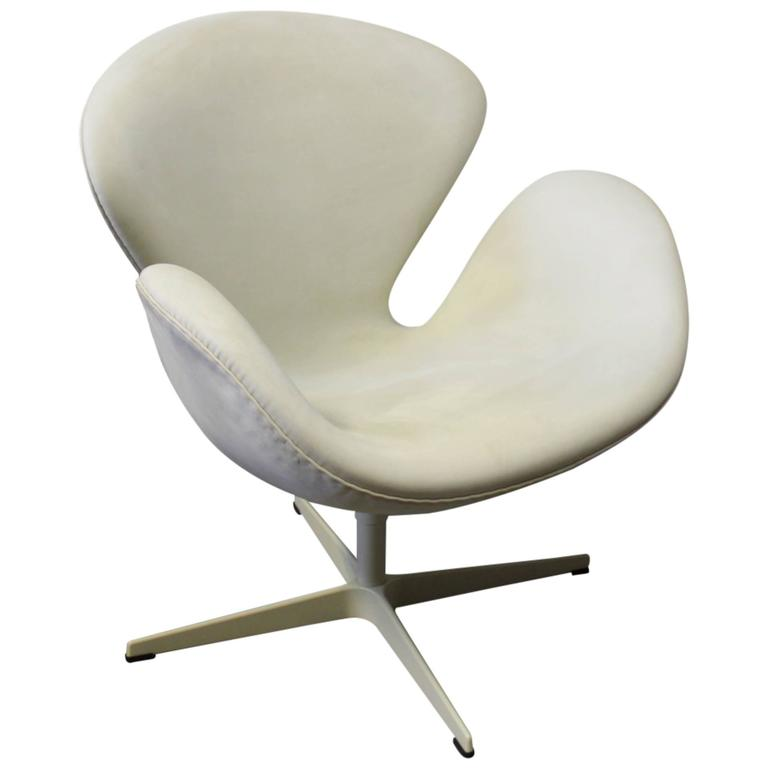 Swan chair limited edition fritz hansen 39 s choice design for Swan chair nachbau