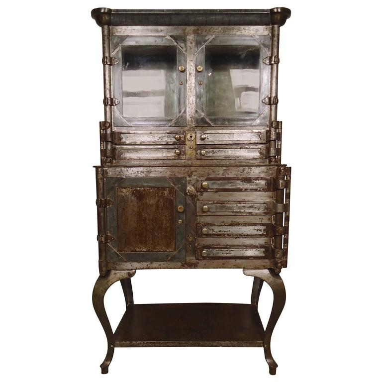 Merveilleux Outstanding Antique Dental Cabinet For Sale