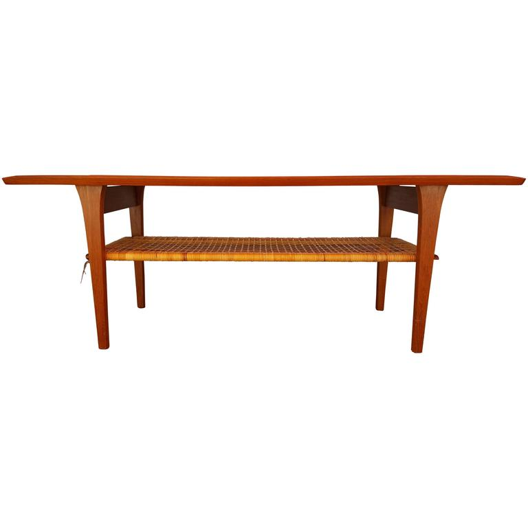 Classic teak danish modern coffee table at 1stdibs Modern teak coffee table