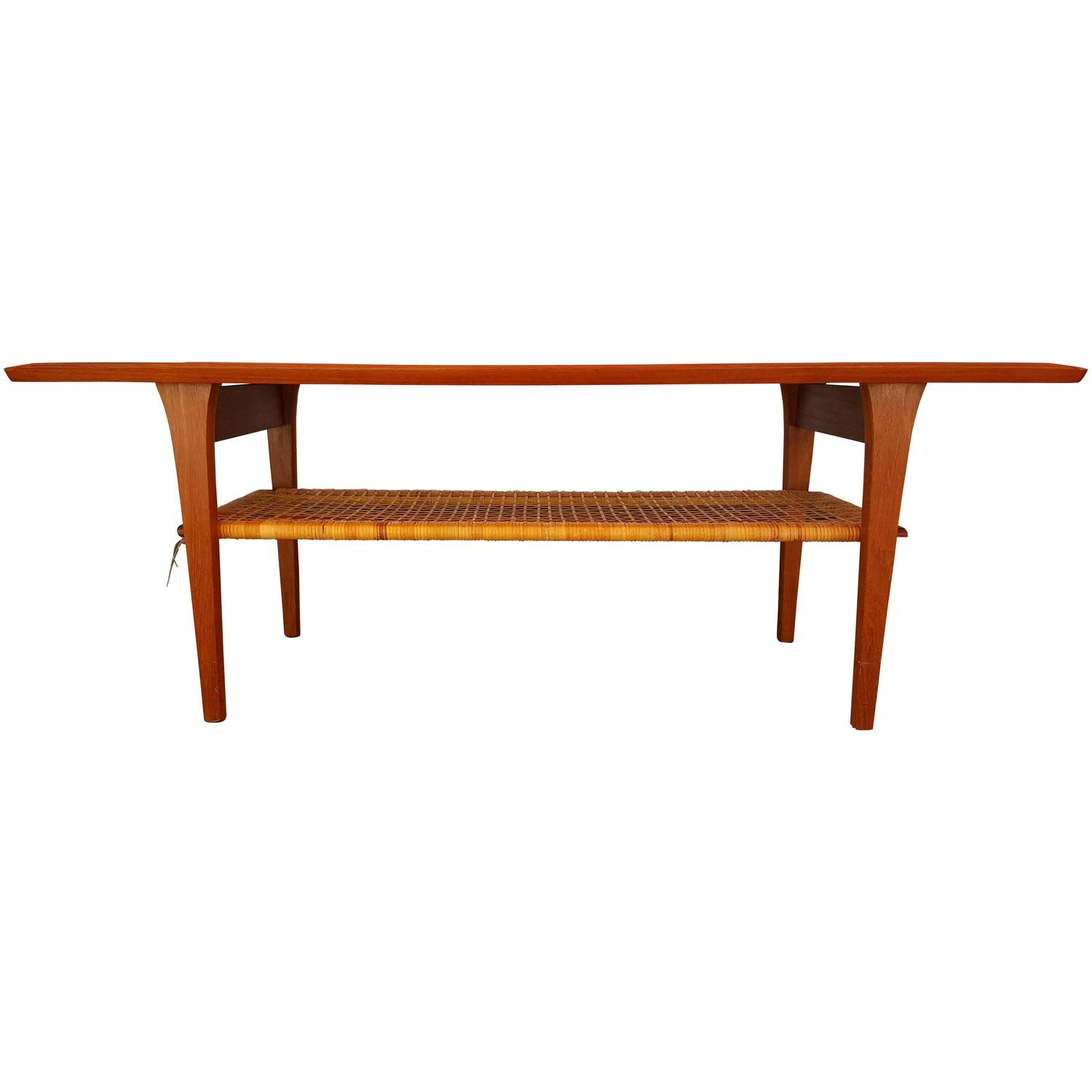 Classic teak danish modern coffee table at 1stdibs for Furniture classics ltd coffee table