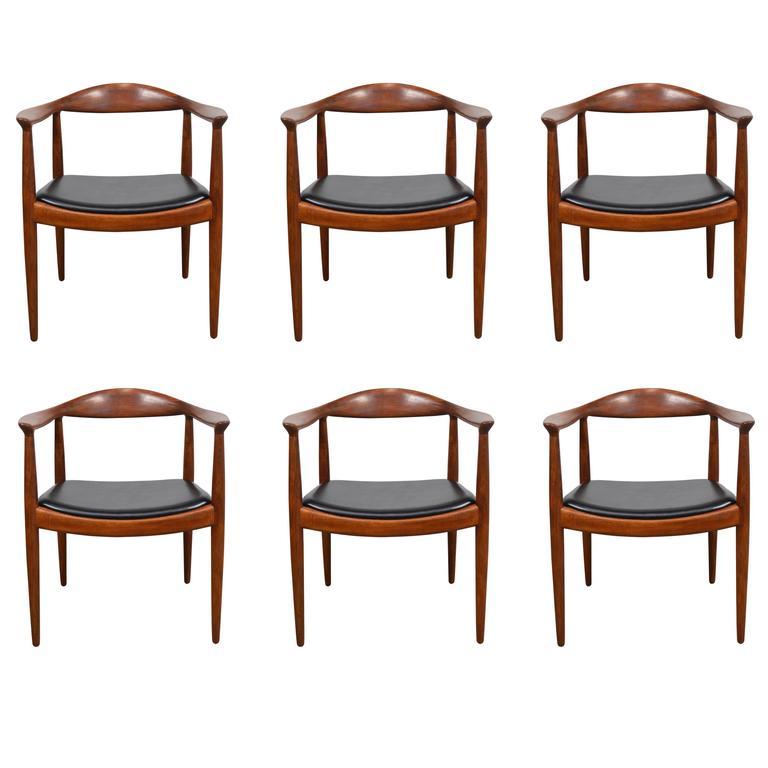 18 hans wegner peacock chair for houten stoelen for Furniture guy seattle