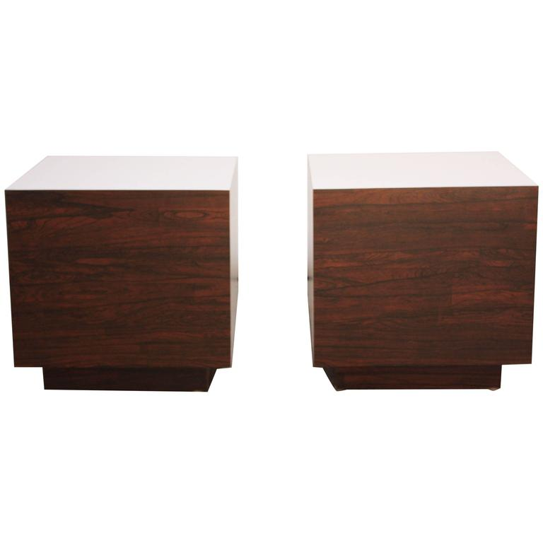 Delicieux Diminutive Rosewood And Laminate Cube End Tables For Sale
