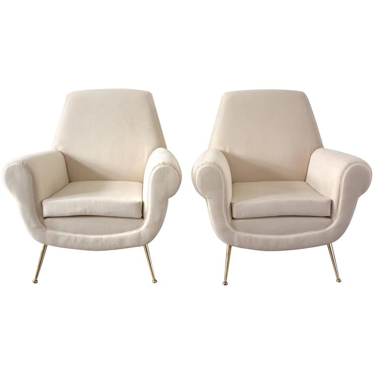 Minotti Pair Of Italian White Lounge Chairs, Gigi Radice, 1950s For Sale