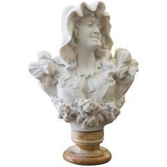 Antike Italienische Carrara Marmor Büste einer Jungen Frau von Adolfo Cipriani