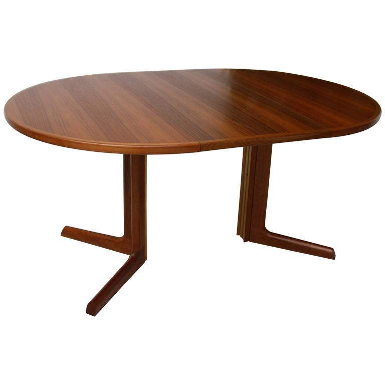 Danish Modern Teak Wooden Dining Table by Niels O M248ller  : 5207703l from www.1stdibs.com size 768 x 768 jpeg 21kB