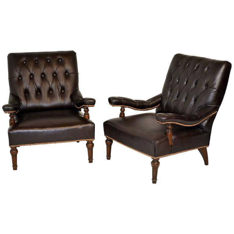 Charmant Pair Of Edwardian English Leather Library Chairs For Sale