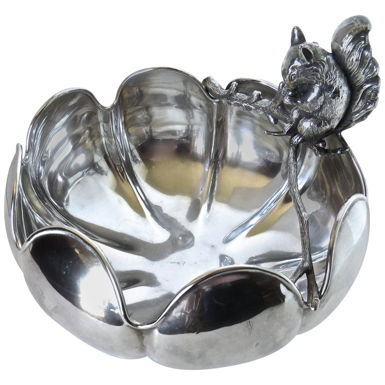 19th Century Squirrel Nut Bowl, circa 1910 For Sale