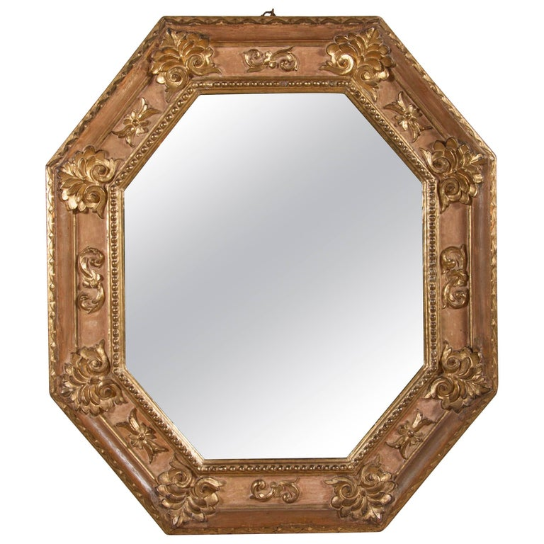 Handsome Italian Giltwood Octagonal Mirror For Sale