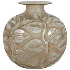 """René Lalique Vase """"Sophora"""""""