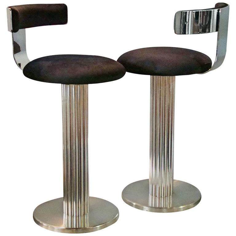 Good Modernist Pair Of Chrome Steel Art Deco Style Swiveling Barstools For Sale