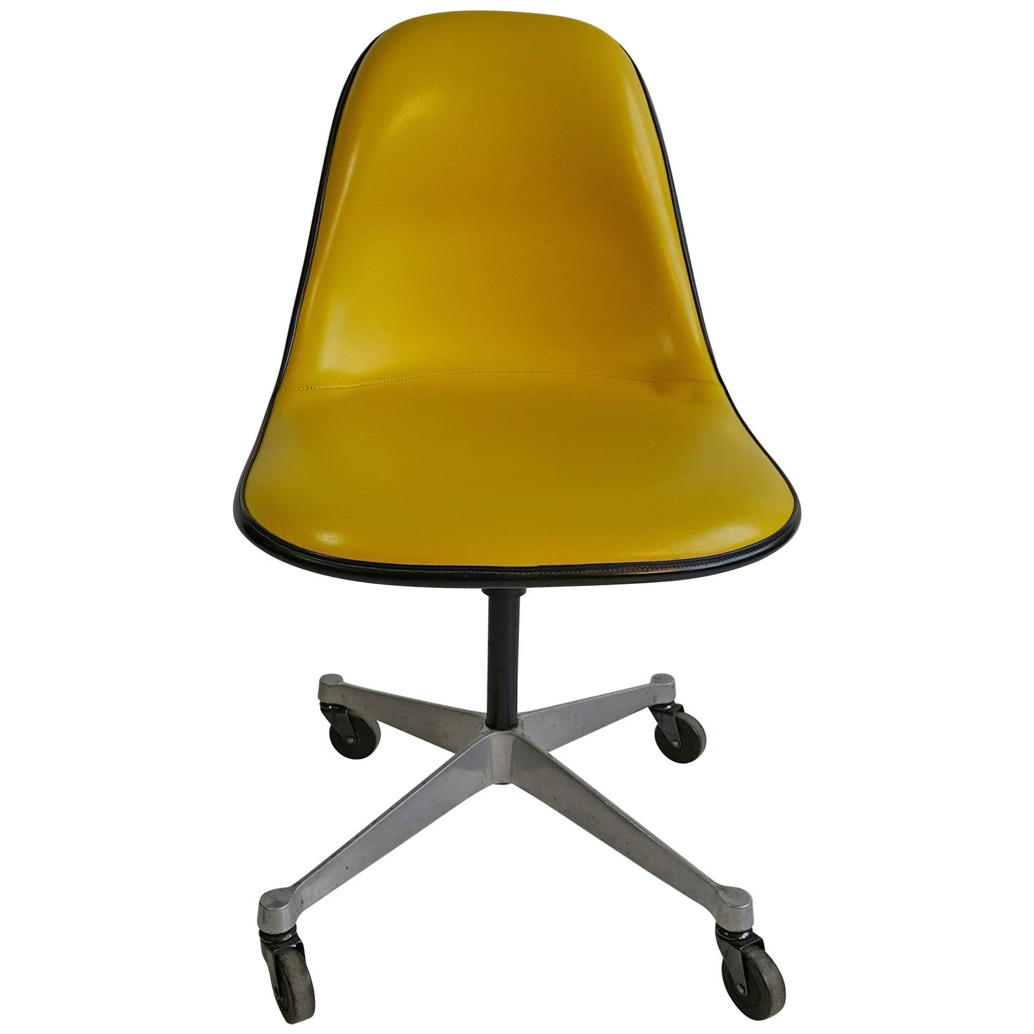 Charles and Ray Eames PSCC Padded Desk Chair by Herman Miller at