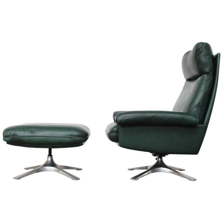 Superbe High Back Lounge Chair And Ottoman Model DS 31 By De Sede For Sale