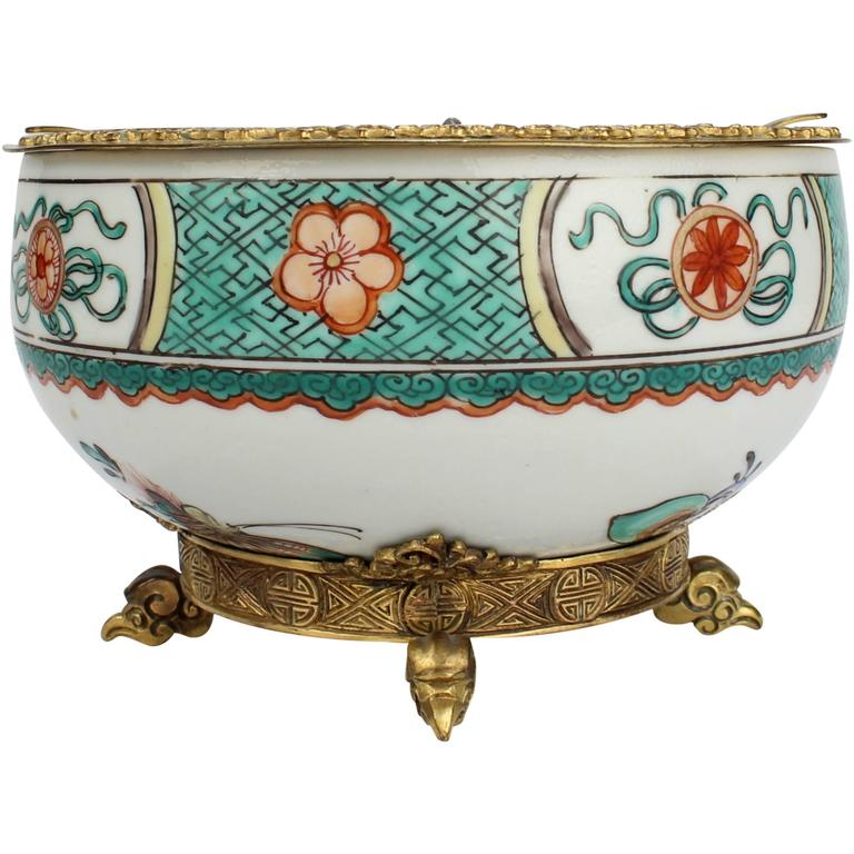 Gilded Age E F Caldwell Bronze-Mounted Chinese Export Porcelain Ashtray For Sale