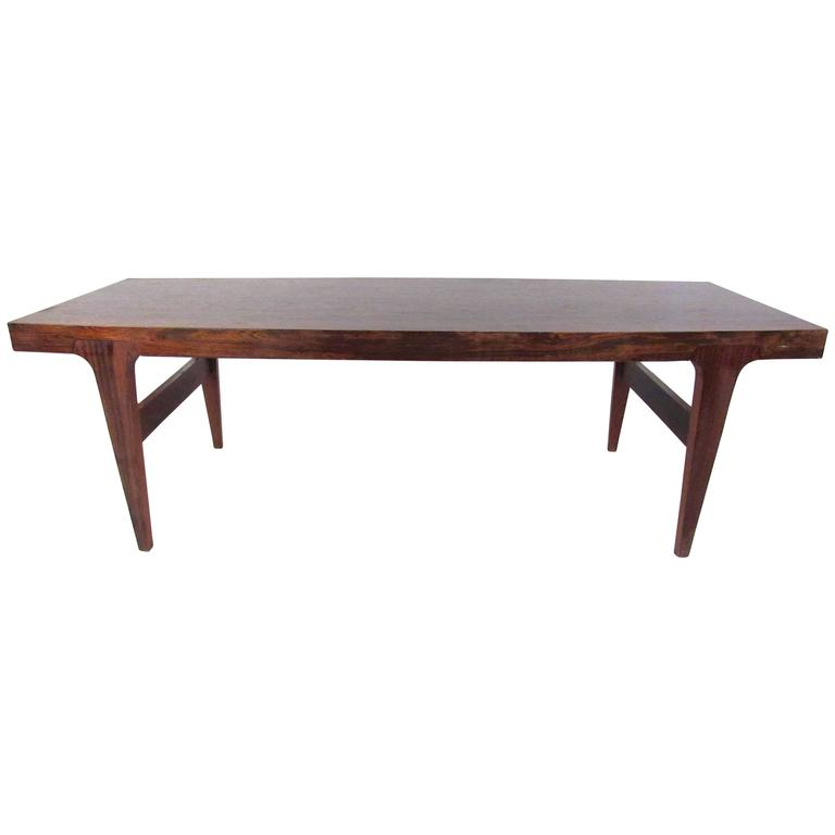 Danish Modern Rosewood Coffee Table in the Style of Johannes Andersen