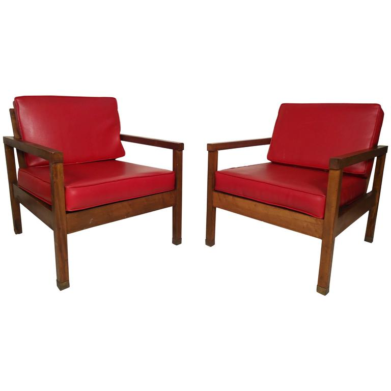 Pair of Mid Century Modern Lounge Chairs at 1stdibs