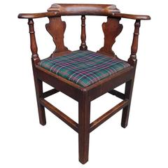 English Chippendale Oak Splat Back Outset Corner Chair, Circa 1770