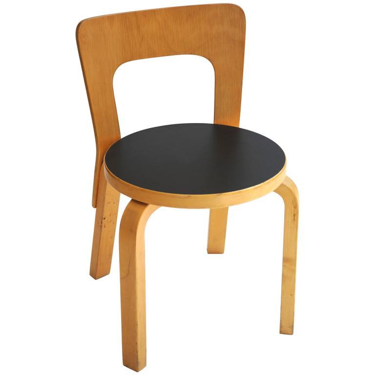 Alvar aalto child chair 66 at 1stdibs for Chaise 66 alvar aalto