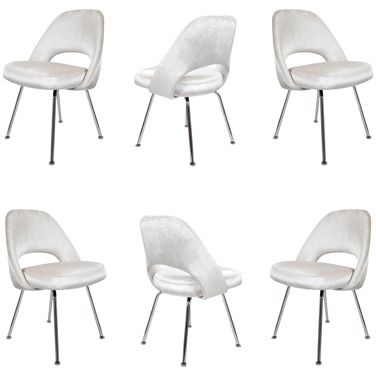 Saarinen executive armless chairs in ivory velvet set of for Saarinen executive armless chair