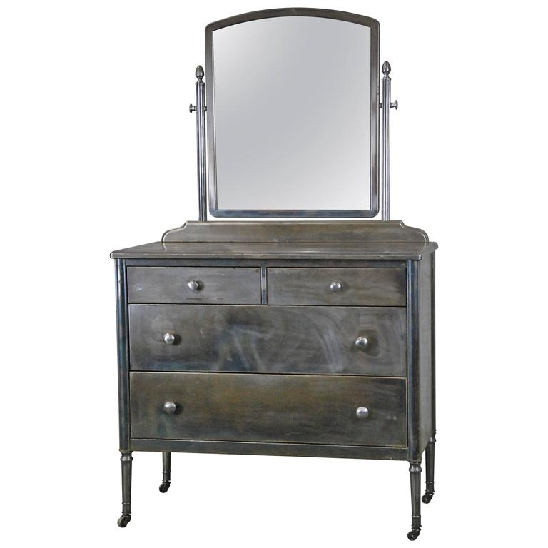 1930 Simmons Metal Dresser