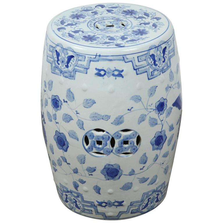 garden p e stool ceramic blue lattice large