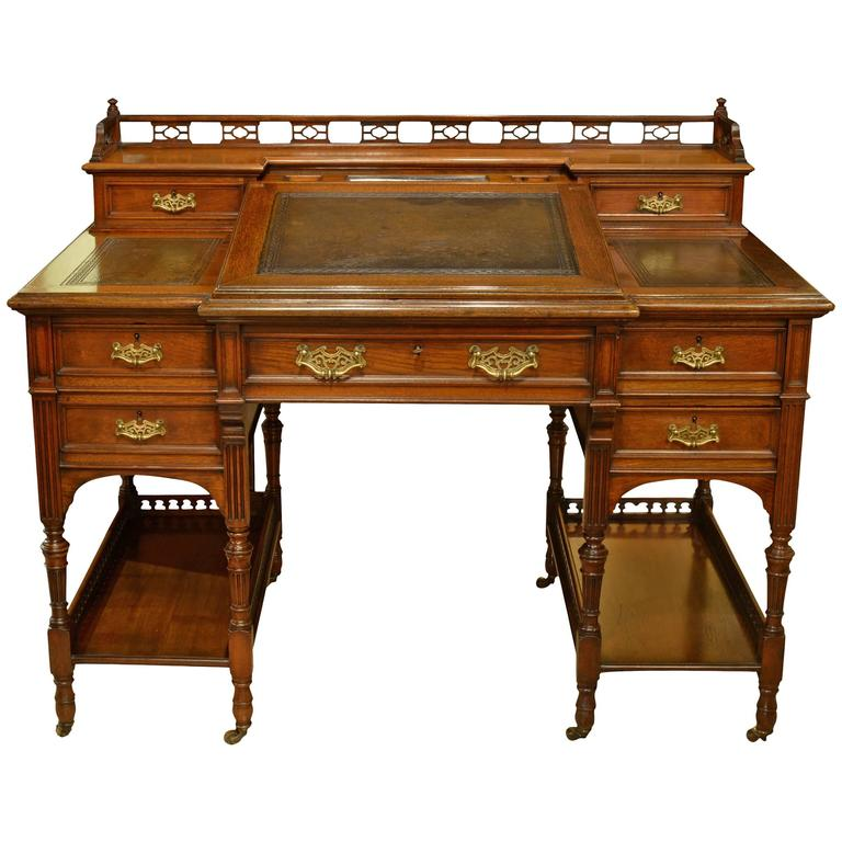 19th Century Walnut Bankers Desk For Sale - 19th Century Walnut Bankers Desk For Sale At 1stdibs