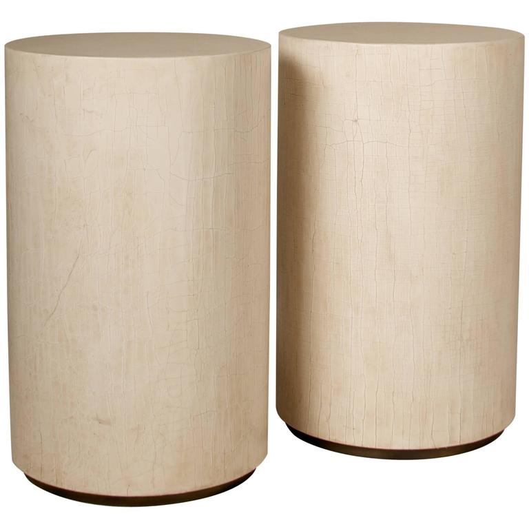 Pair of contemporary Side Tables, in crackle lacquer with brass detail on base