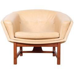 "Scandinavian ""Corona"" Easy Chair in Leather, by Lennart Bender"