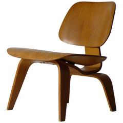 Eames LCW, Labelled, 1947