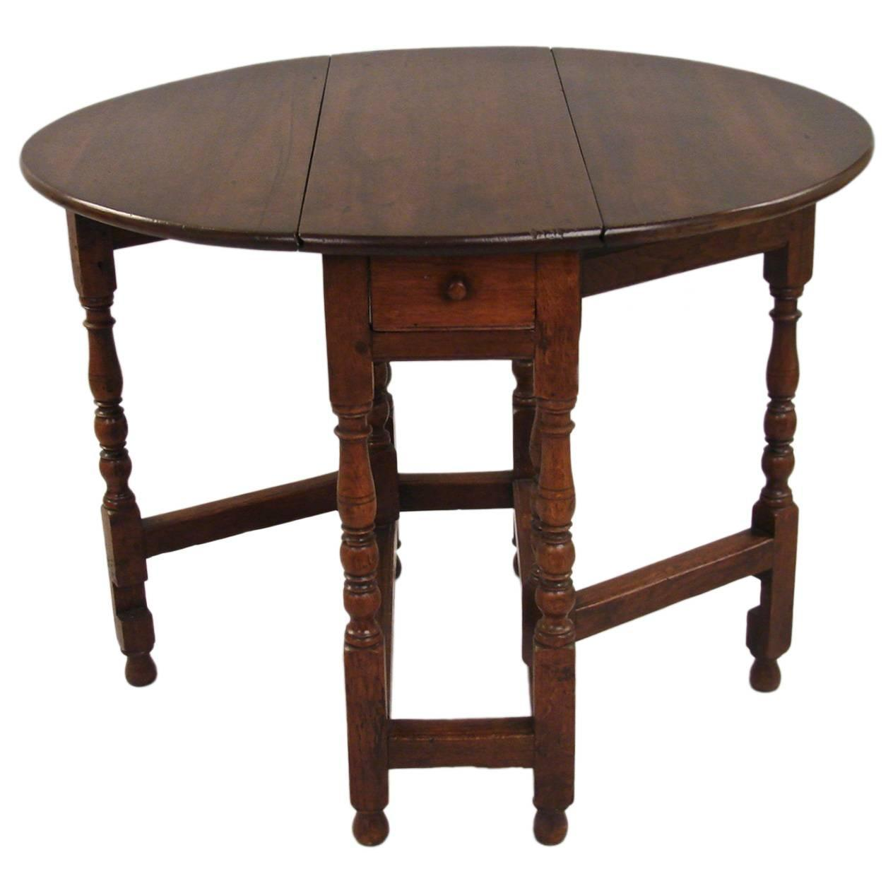 Small William And Mary Oak Gateleg Table With Drawer For