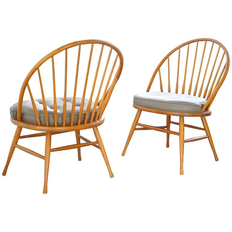 American Modern Windsor Chairs By Heywood Wakefield For