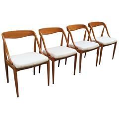 Set Of Four Johannes Andersen Teak Dining Chairs For MM Moreddi Denmark