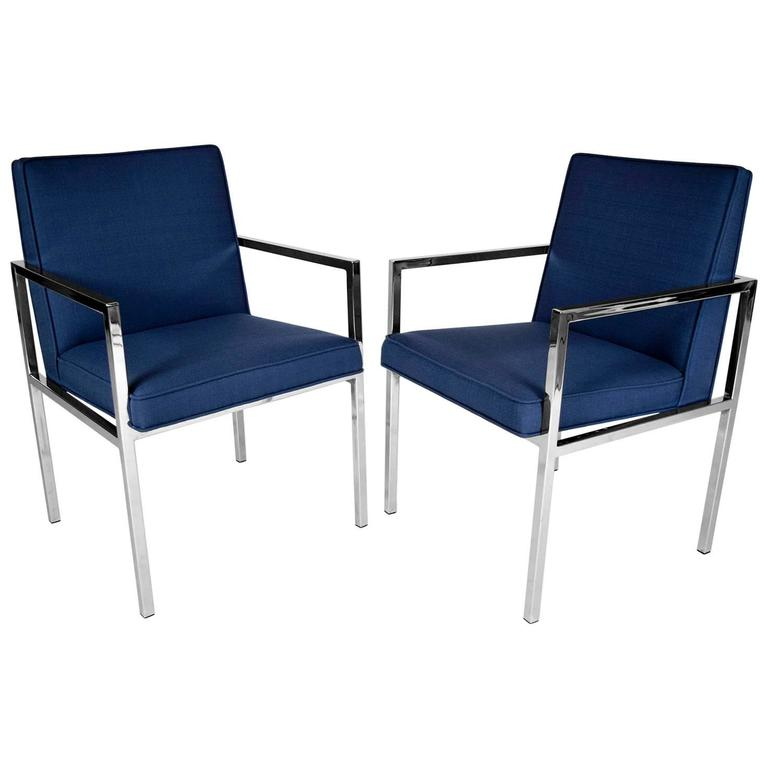 Pair of Mid Century Modern Lounge Chairs For Sale at 1stdibs