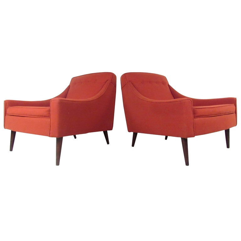 Pair of Stylish Mid-Century Modern Lounge Chairs For Sale