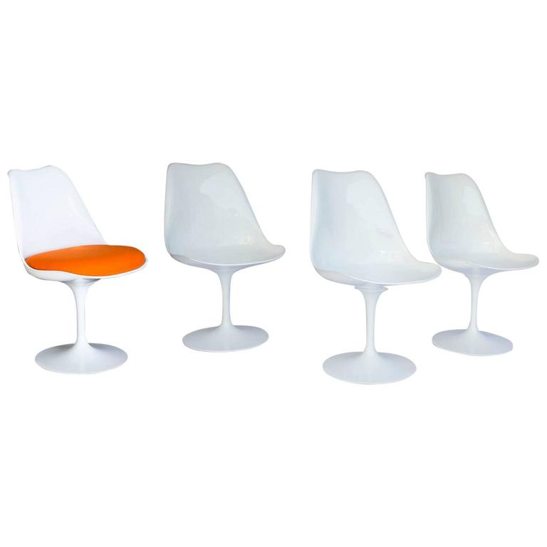 1956 Eero Saarinen Early Original Tulip Chair 151 In White With Cushions For