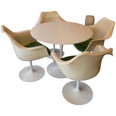 Set of Four Knoll Saarinen Tulip Armchairs and Laminate Round Table