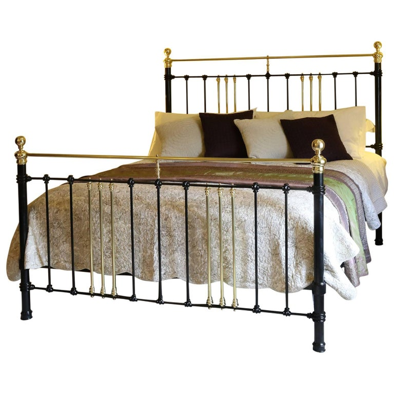 Wide Brass and Iron Bed in Black, MSK29 For Sale