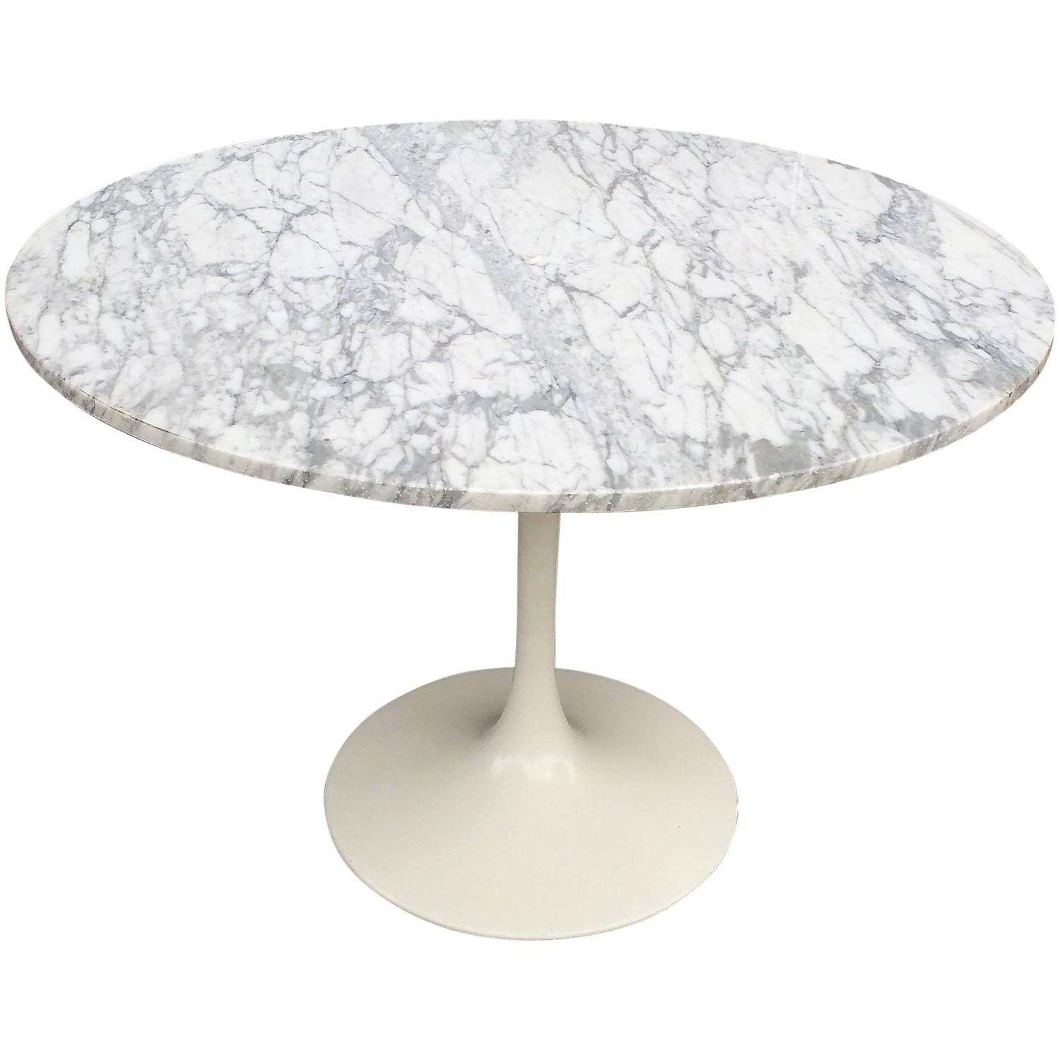Mid Century Modern Tulip Base Dining Table with Round Marble Top