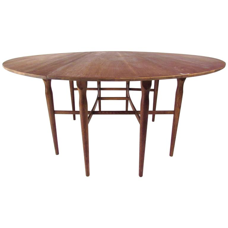 Vintage American Walnut Drop Leaf Dining Table For Sale