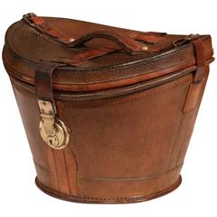 18th Century, French Oval Pigskin Leather Hat Box from Paris