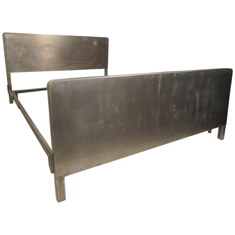 a5f68177314 Vintage Full Size Metal Bed Frame at 1stdibs
